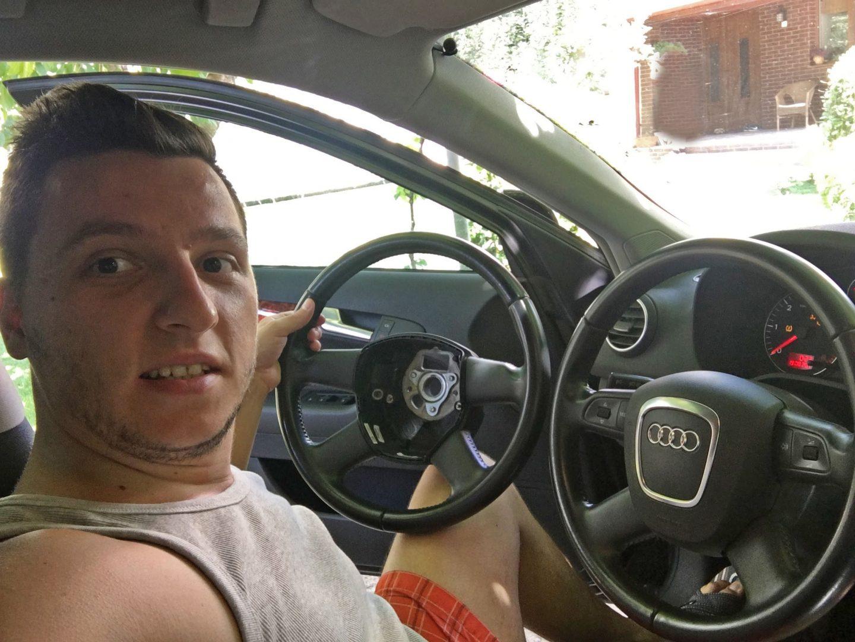 Indicații pentru montarea unui volan multifuncțional Audi A3